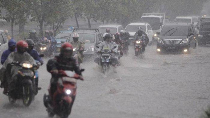 Peringatan Dini BMKG Kamis, 16 September 2021: Potensi Cuaca Ekstrem di Banten hingga Sulawesi Utara